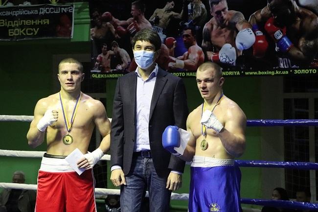 Боксери з Олександрії перемогли у Всеукраїнському турнірі з професійного боксу