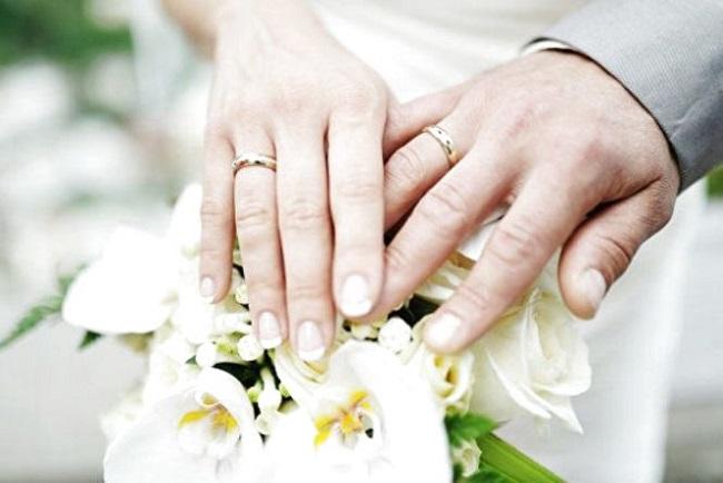 """Одружитися повторно: українцям пропонують послугу """"Ювілейне весілля"""""""