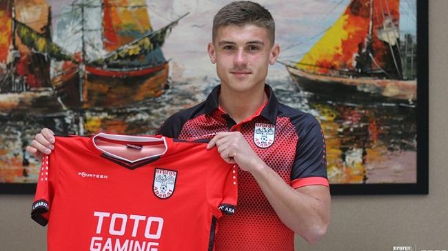 Максим Задерака підписав контракт з командою з Вірменії