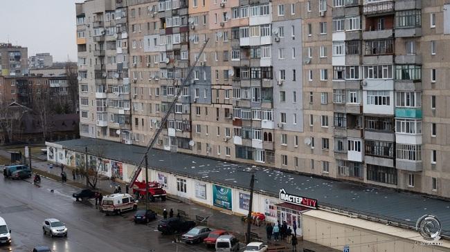Рятувальники зняли олександрійця з рами 8-го поверху