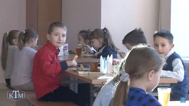 Учні ОНВК № 17 харчуються за кулінарними рецептами Євгена Клопотенка (Відео)