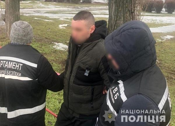 На Кіровоградщині затримали чоловіка, який пограбував будинок патрульного