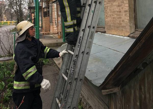 Рятувальники допомогли олександрійцю, який не міг потрапити до своєї квартири