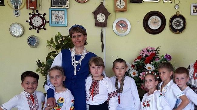 На Олександрійщині жінка зібрала колекцію годинників