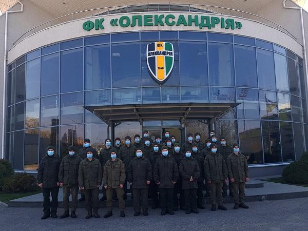 Олександрійські авіатори побували в гостях у футболістів