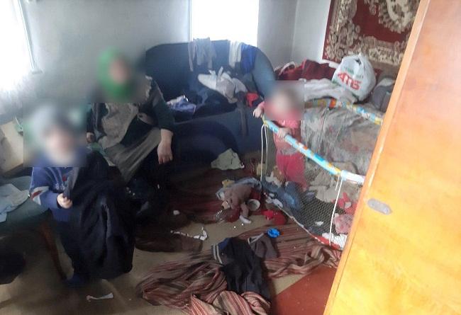 У Приютівській ОТГ перевірили сім'ю зі складними життєвими обставинами
