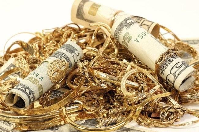 В Олександрії розшукують злодія, який поцупив з квартири гроші і золото