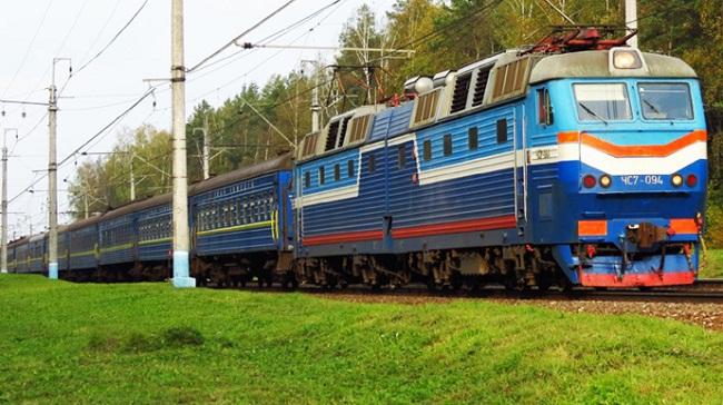 На свята через Кіровоградщину курсуватимуть додаткові поїзди