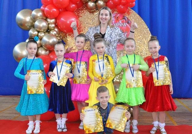 """Танцюристи """"VIVA"""" знову підкорили паркет у Кропивницькому!"""