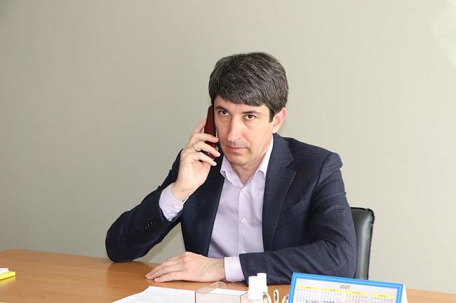Міський голова Сергій Кузьменко провів прямий телефонний зв'язок