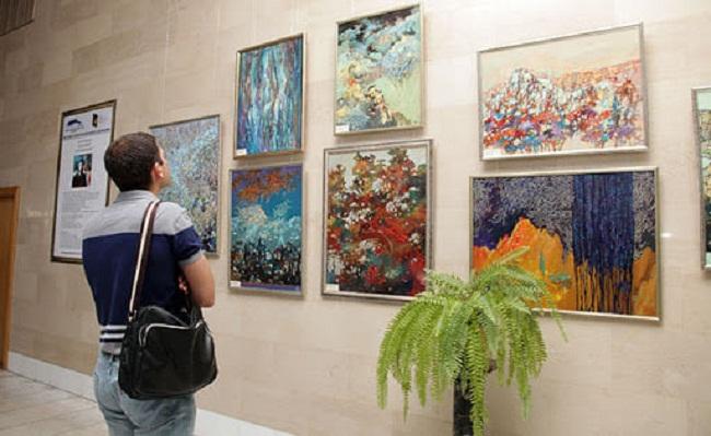 В Олександрії діятиме художня виставка і звітуватиме «Вуличний балет»