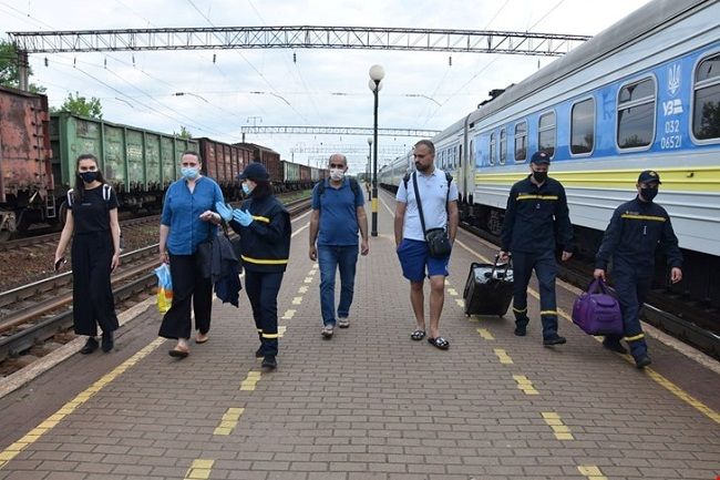 В Олександрію прибули евакуйовані з Сектора Гази