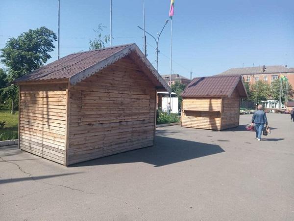 З площі приберуть дерев'яні будиночки