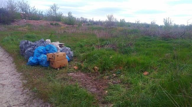 У Приютівській громаді порушників блaгоустрою вирaхувaли зa довідкою в смітті