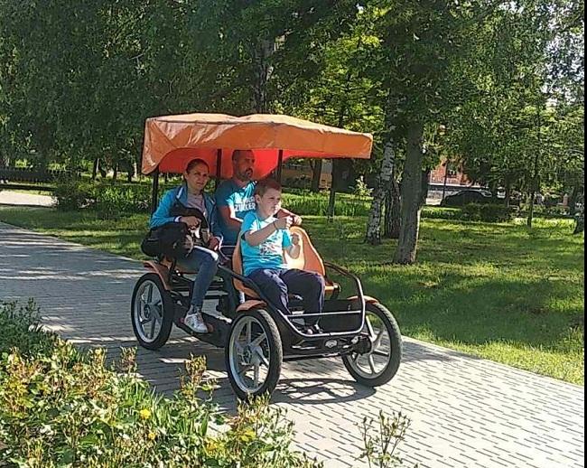 В Олександрії з`явився екотранспорт для сімейних прогулянок