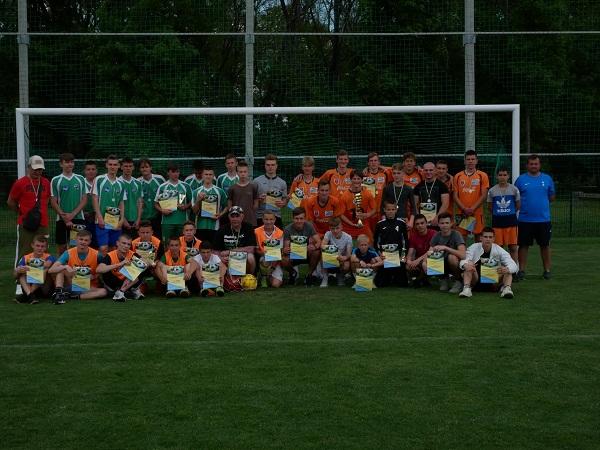 Змагання з футболу серед старшокласників