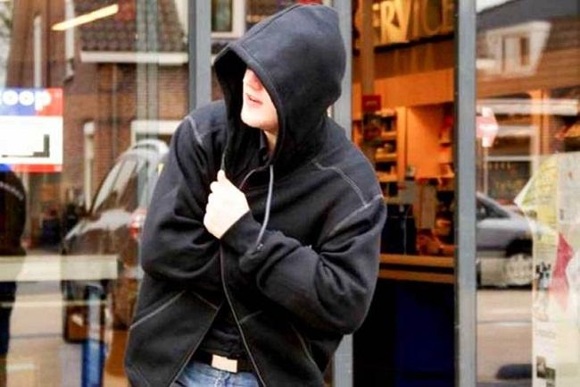 В Олександрії засудили чоловіка, який пограбував магазин і аптеку