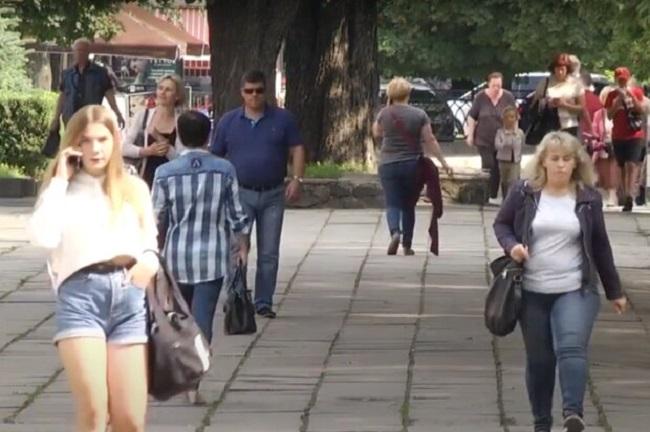 Скільки вихідних матимуть українці у серпні 2021