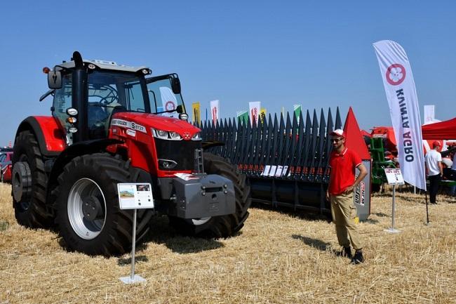 На території Приютівської громади проходить аграрна виставка (ФОТО)