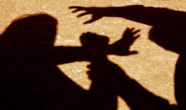 Житель Олександрії побив колишню через заборону бачитися з сином