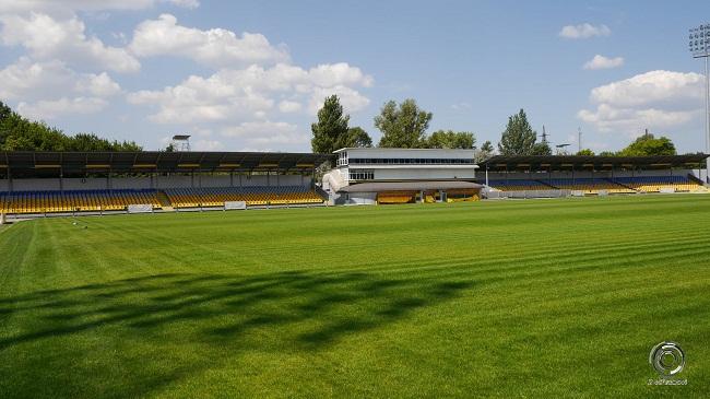 У вересні оновлений газон КСК «Ніка» буде готовий до матчів