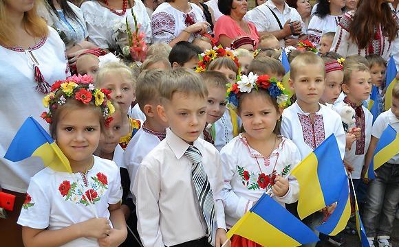 Олександр Авраменко: «1 вересня всі школярі сядуть за парти»