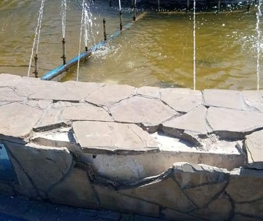 В Олександрії ремонтують фонтан