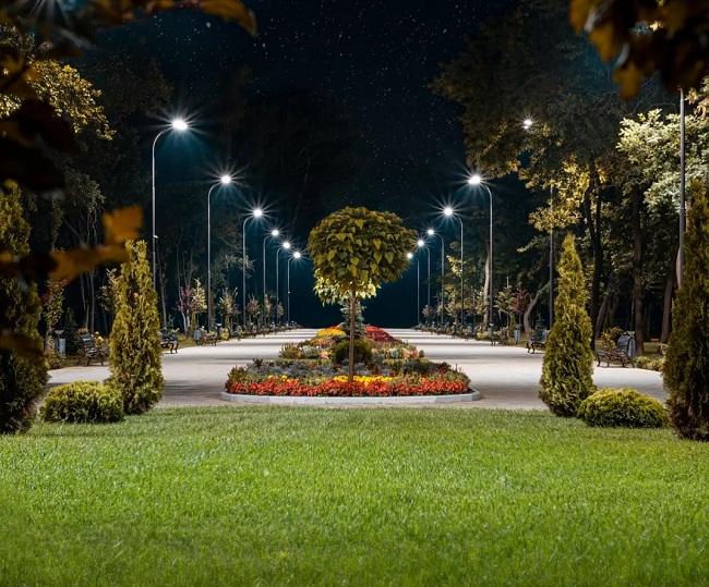 Романтичні фото парку Шевченка вночі