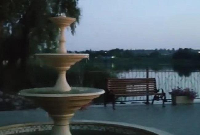 Краса вечірнього парку у Приютівці