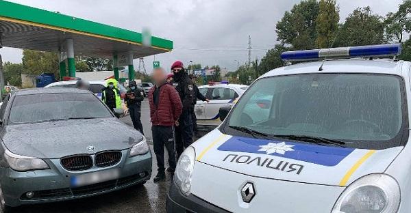 Чоловік з Кіровоградщини влаштував у Полтаві стрілянину та захопив заручницю