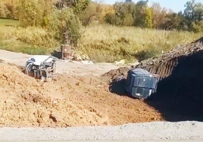 На Олександрійщині злетіли з дороги два мікроавтобуси, один з водіїв травмувався