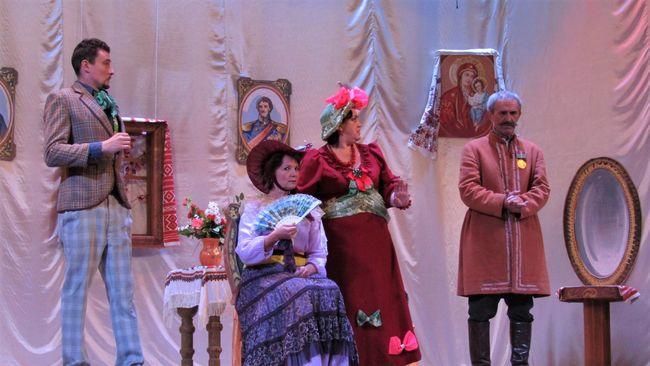 Театральна вистава народного аматорського театру ПК «Світлопільський» вкотре зірвала овації глядачів