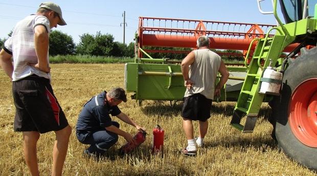 Рятувальники перевіряють дотримання аграріями протипожежних заходів