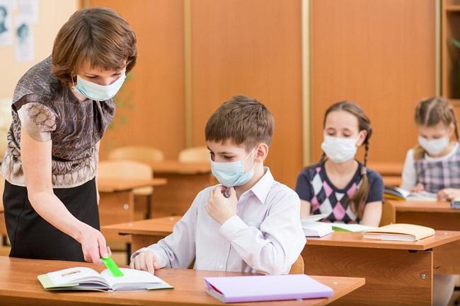 У школах можуть подовжити навчальний рік