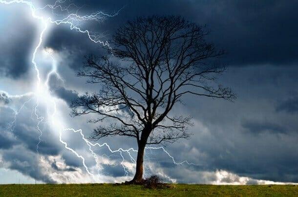 Нa Кіровогрaдщині очікується грозa тa сильний вітер