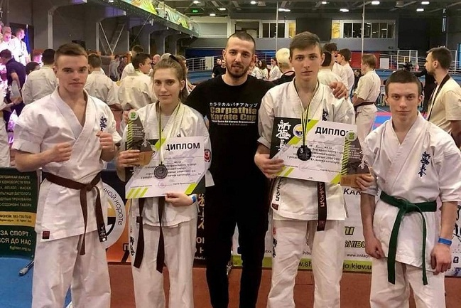 Олександрійські каратисти на всеукраїнському турнірі завоювали нагороди