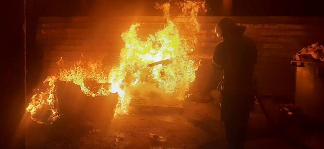 За добу олександрійські рятувальники загасили три пожежі