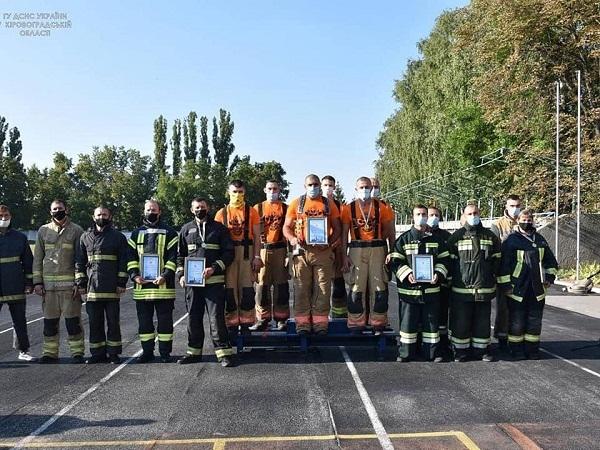 """Олександрійські рятувальники вибороли звання """"Найсильніший пожежний-рятувальник"""""""