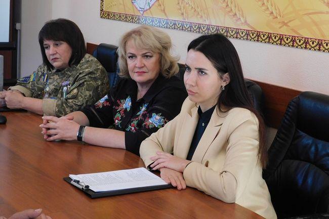 """Панельна дискусія """"Війна зробила їх видимими"""" відбулась в Олександрійській РДА"""